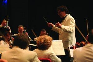 Music Director Donato Cabrera and the New Hampshire Music Festival Orchestra